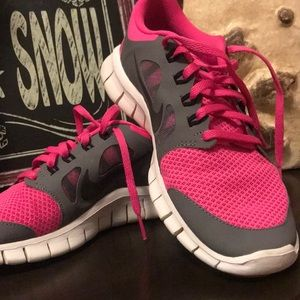 Other - Nike Free size 6y tennis shoe